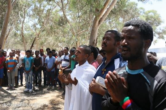 אנשי דת מתל אביב הגיעו לתפילה במחאה המחאה (אורן זיו / אקטיבסטילס)