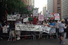 אלפים בהפגנה בניו יורק נגד התקיפה הישראלית