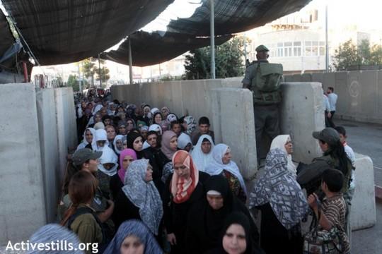 מחסום בית לחם בזמן הרמדאן (צילום: אן פק/אקטיבסטילס)