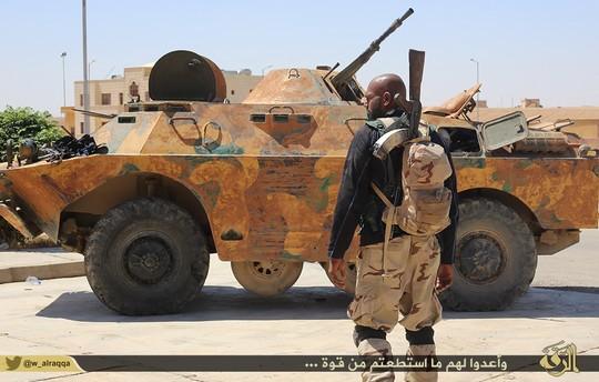 """משוריין של דאע""""ש (צילום: המדינה האסלאמית)"""