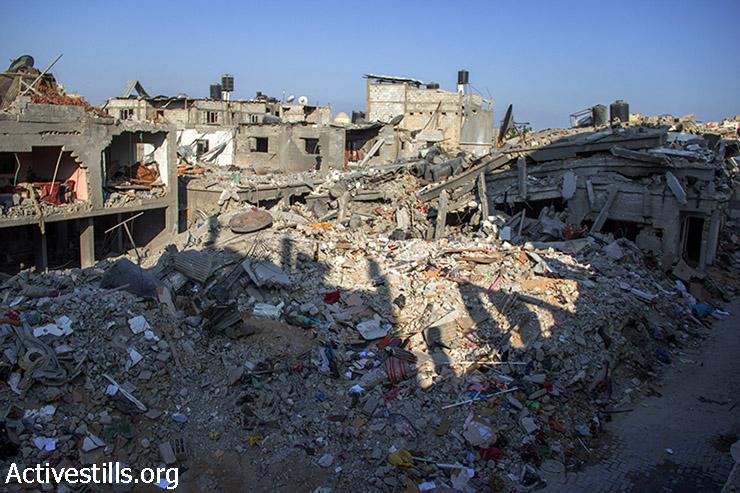 המראה שנגלה מחלון ביתו של אבו עלא. 12 באוגוסט 2014. (באסל יאזורי/אקטיבסטילס)