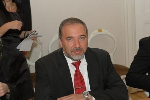 כבר לא בכיס של ליברמן: דוברי הרוסית מחפשים מנהיגות חדשה