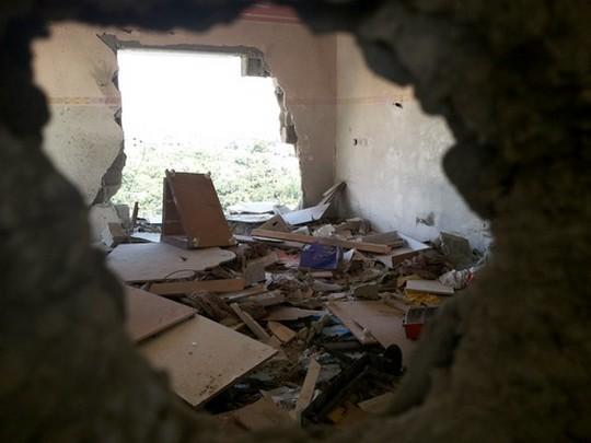 מראה ההרס בבית משפחת אבו ג'ראד שבו נהרגו שמונת בני המשפחה (עאוני פרחאת)