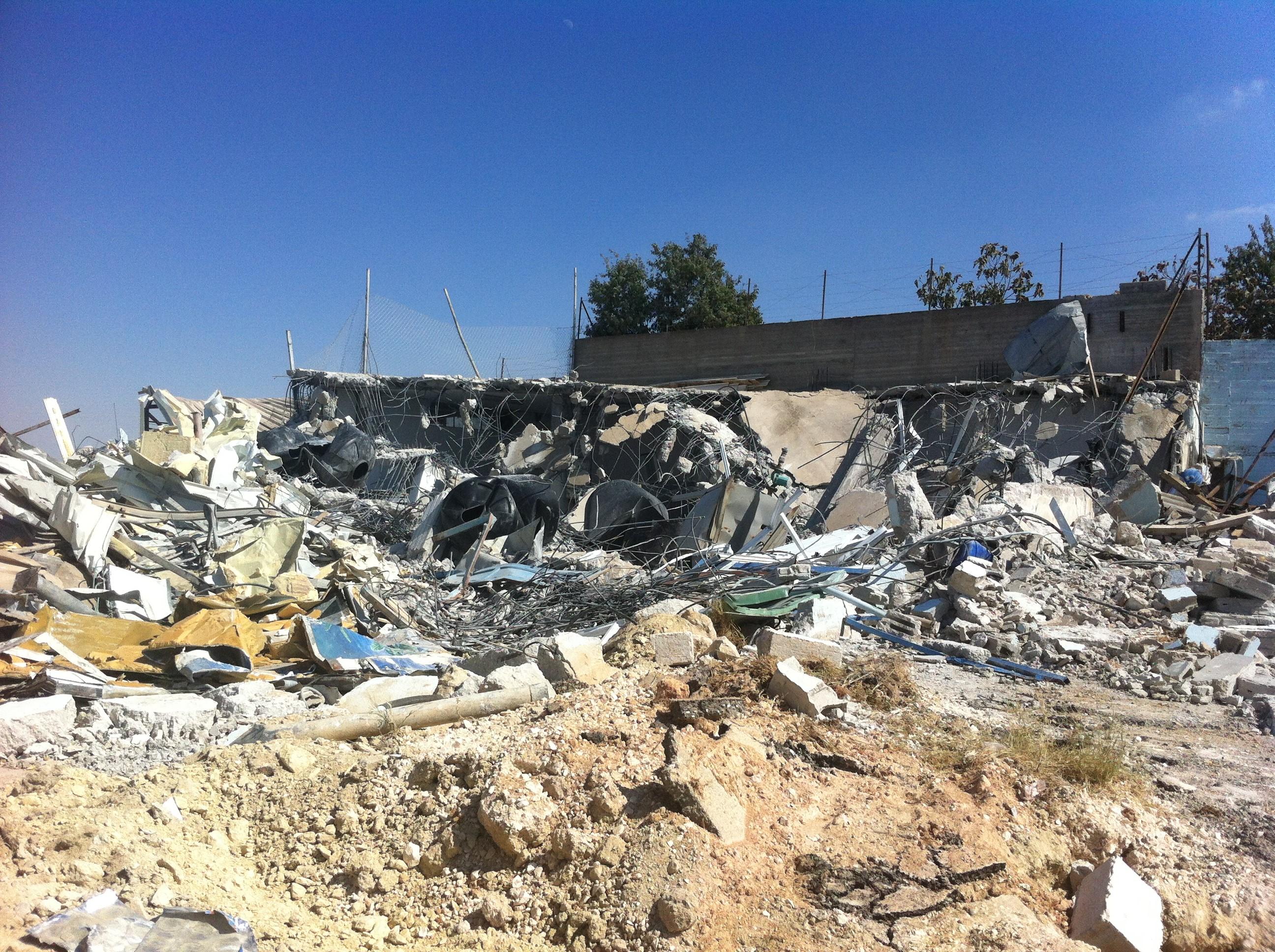 הריסות מפעל ריאן ליוגורט (צילום: Youth Against Settlements)