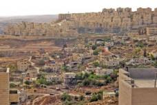 בהר חומה מקדמים בנייה חדישה ובצור באהר נלחמים להתחבר לביוב