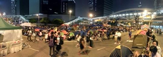 מפגינים בהונג קונג (צילום: אמנון לוטן)