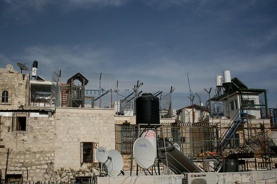 התנחלות בעיר העתיקה בירושלים (צילום: David Jones, פליקר CC BY-NC 2.0)