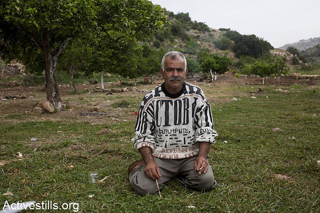 חקלאי מדיר איסתיא בוואדי קנה (קרן מנור / אקטיבסטילס)