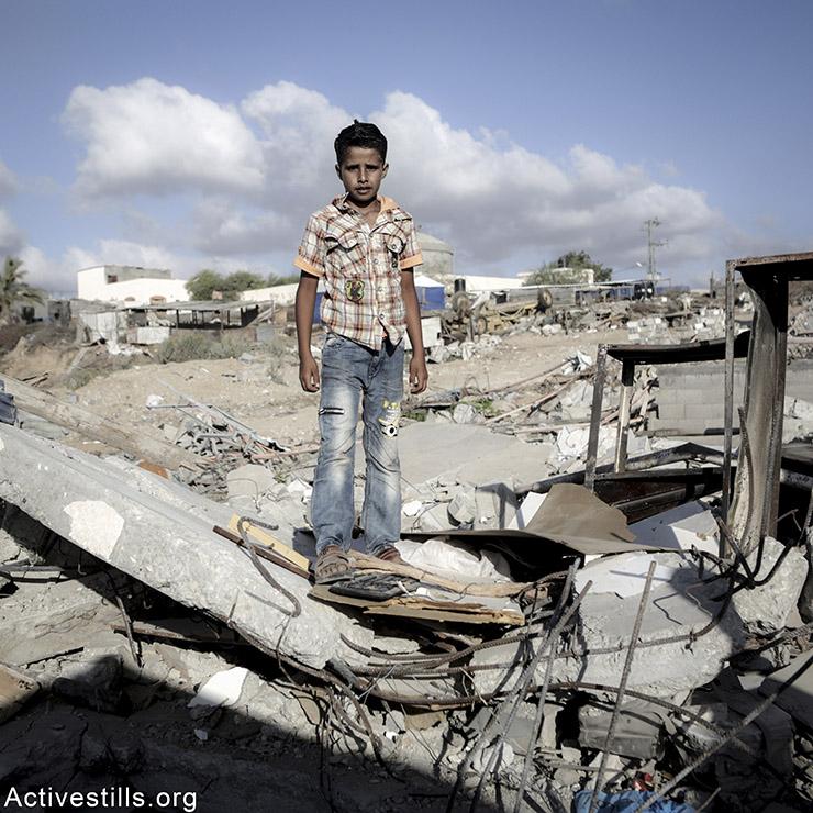 סאבר, בן 12, מכפר ג׳אוור אד-דיק. סאבר מתגעגע למחשב המשחקים שלו. אן פאק/אקטיבסטילס