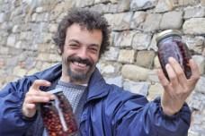 הקסבה של הריביירה האיטלקית: אנשים ואוכל בעיר העתיקה של סן רמו