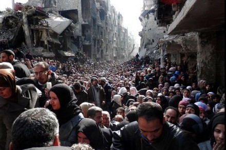 """מחנה הפליטים אל-ירמוכ בסוריה (צילום: אונר""""א)"""