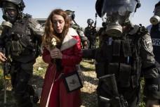מעצר מפגינה, בלעין (קרן מנור / אקטיבסטילס)