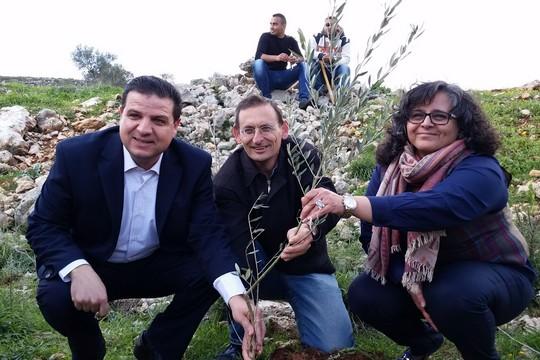 עאידה תומא-סולימאן, דב חנין ואיימן עודה בכפר יאסוף (אלה ידעיה)