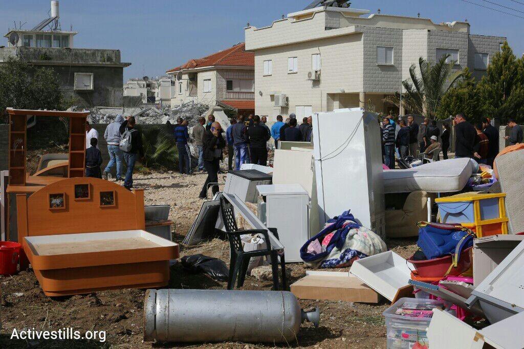 רכוש משפחת אל-נאקיב אחרי שביתם נהרס (אורן זיו / אקטיבסטילס)