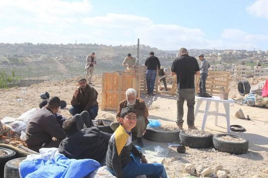 """מאהל המחאה """"שער ירושלים"""" ליד אבו דיס (אמין אלוויה)"""