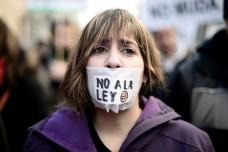 זעם בספרד עם אישור חוק חדש שפוגע בחופש המחאה והעיתונות