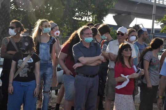 הפגנה נגד הזיהום בחיפה, יוני 2014 (יעקב סבן)