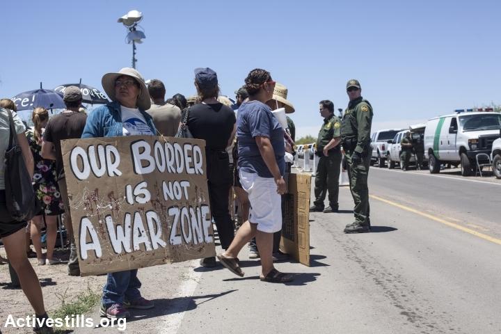 """""""הגבול שלנו איננו אזור מלחמה"""". מחאה בגבול ארה""""ב-מקסיקו (שחר פולקוב/אקטיבסטילס"""