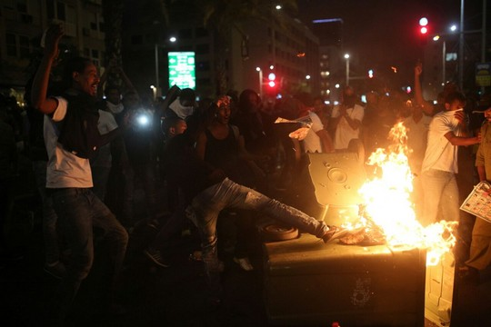 מחאת יוצאי אתיופיה. עימותים בין שוטרים למפגינים בכיכר רבין (יותם רונן/אקטיבסטילס)
