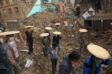 רעידת האדמה בנפאל: גורל אחד לתיירים גורל אחר לנוודים