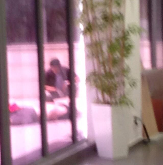 """זירת ההתאבדות, משרדי הממשלה, אשקלון (צילום באדיבות אתר """"אשקלונים"""")"""