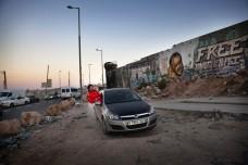 ספיד סיסטרס: נהגות המרוצים הפלסטיניות דוהרות קדימה נגד כל המחסומים