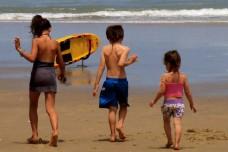 אילוסטרציה של ילדים בחופש הגדול. (צילום: Kiran Foster CC BY 2.0)