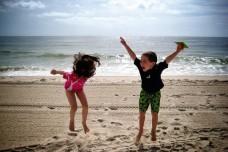 ילדים בחופשה (אילוסטרציה: Jason Farrar CC BY-NC-ND 2.0)