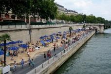 כמו תל אביב, גם החוף שהוקם בפריז הוא שקר