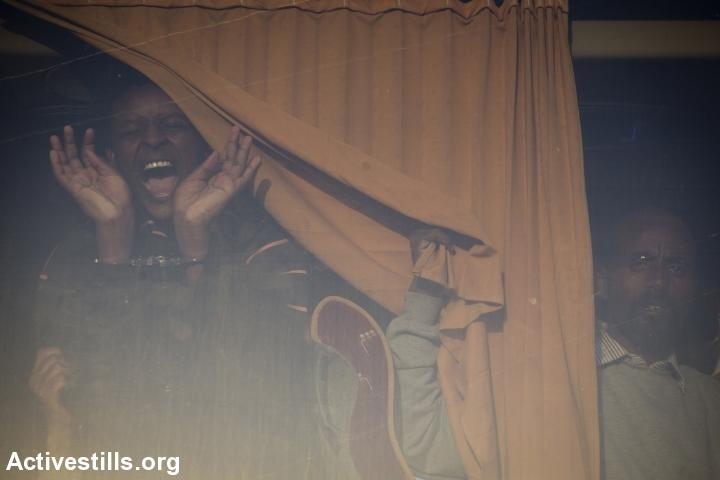 מעצר מבקשי מקלט שיצאו במחאה נגד כליאתם (אורן זיו / אקטיבסטילס)