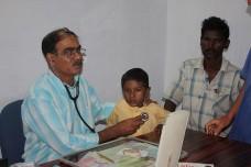 נתניהו: נייבא רופאים מהודו כדי להזין בכפייה פלסטינים