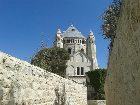 כנסיית הדורמיציון בהר ציון. מתחים מול הקהילה הנוצרית (צילום: אורלי נוי)