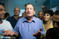 איך רון חולדאי נלחם על הזכות של תל אביב לקחת כסף מילדים עניים