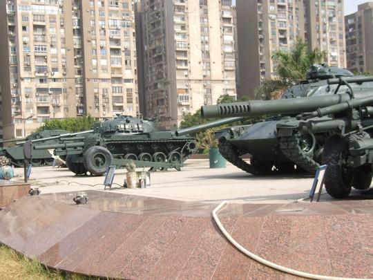"""טנקים מערביים של צה""""ל במוזיאון מלחמת השישי באוקטובר / יום כיפור, קהיר (חגי מטר)"""