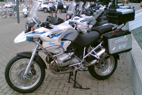 אופנוע משטרתי (אילוסטרציה: David Shay CC BY-SA 2.5)