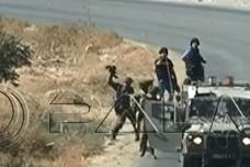 צפו: חיילים מרסקים מצלמות ותוקפים עיתונאים בהפגנה