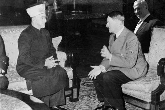 היטלר, המופתי, ואחד שיודע. (שירה גלזרמן)