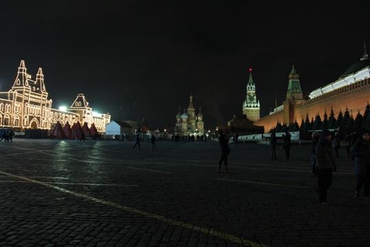 הכיכר האדומה בלילה (צילום סשה נורנברג)