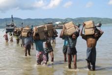 המוסלמים הנרדפים של בורמה עומדים בלב מערכת בחירות היסטורית