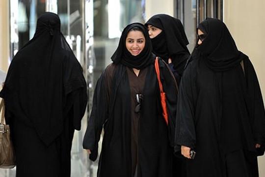 נשים ברחובות ריאד, עיר הבירה של סעודיה. (צילום: Tribes of the World, פליקר CC BY-SA 2.0)