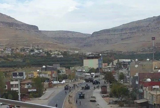 זו לא הגדה המערבית, אלא העיר דריק שנמצאת תחת עוצר ומתקפה צבאית (צילום באדיבות צוות המדיה של ה – HDP)