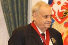 אלדר ריאזנוב, בעת קבלת אות מסדר השירות למולדת (צילום: הקרמלין)