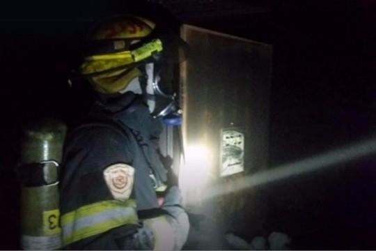 שריפה במשרדי בצלם (צילום: דוברות הכבאות)