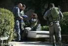 """שוטרי מג""""ב עם שוטרת פצועה בשער שכם לאחר מתקפה של שלושה פלסטינים. שוטרת אחת נהרגה (פאיז אבו-רמלה / אקטיבסטילס)"""