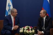 """ולדימיר פוטין עם בנימין נתניהו, נובמבר 2015 (עמוס בן גרשום, לע""""מ)"""