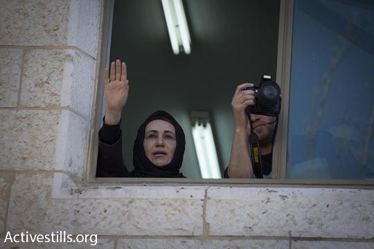 חברת המועצה המחוקקת הפלסטינית נג'את אבו בכר נצורה בבניין המועצה ברמאללה (אורן זיו / אקטיבסטילס)