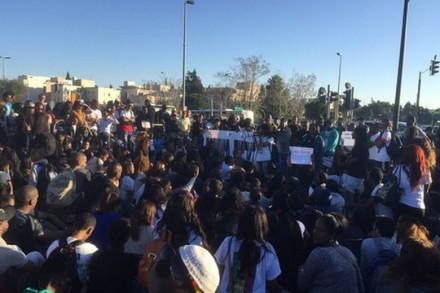 הפגנת יוצאי אתיופיה נגד אלימות משטרתית, המטה הארצי, ירושלים (מיכאל סולסברי-כורך)