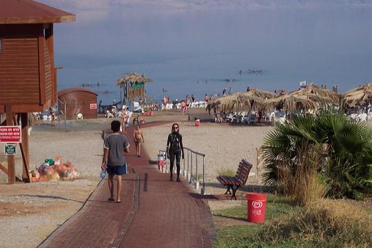 חוף בים המלח (צילום: ג'ף מאיירס, פליקר CC BY-NC 2.0)