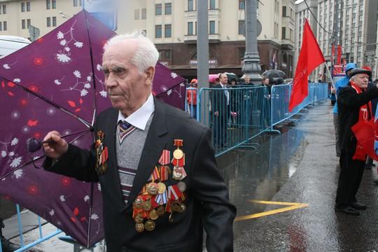 וטרן צועד במוסקבה, אחד במאי 2015 (חגי מטר)