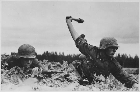 חיילי גרמניה הנאצית בזמן הפלישה לברית המועצות, 1941.